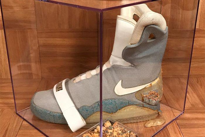 Shoezeum To Sell OG Nike MAG - Sneaker