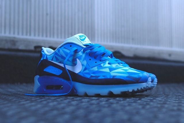 Nike Air Max 90 Ice Barely Blue 1
