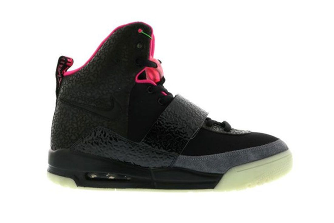 Nike Air Yeezy 1 Blink Lateral Side Shot