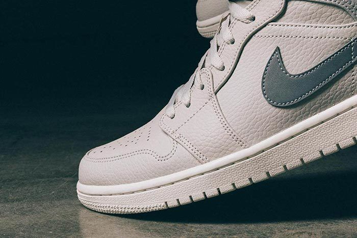Air Jordan 1 Mid Light Bone Grey Fog 6