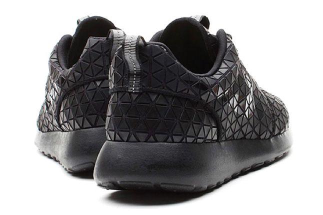 Nike Roshe Run Metric Heels 1