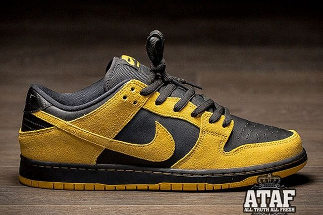 Nike Sb Dunk Low University Gold Black 3