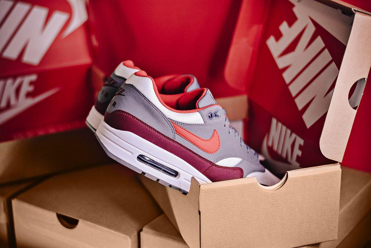 Air Max 1 University Red Sneaker Freaker 1