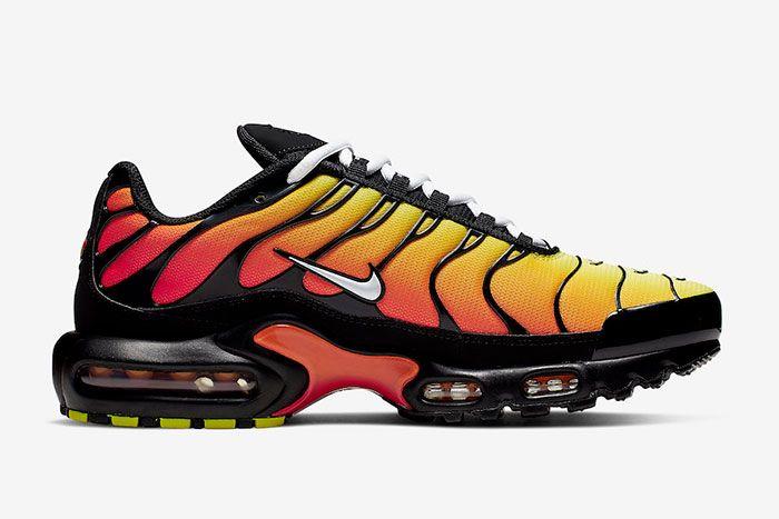 Nike Air Max Plus Tiger Black Orange Right