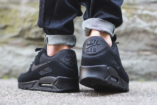 Nike Air Max 90 Triple Black 2