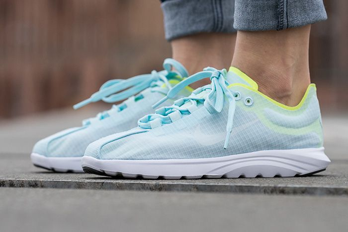 Nike Mayfly Lite Glacier Bluevolt 3
