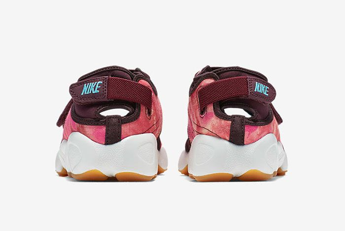 Nike Air Rift Valley Pack 12