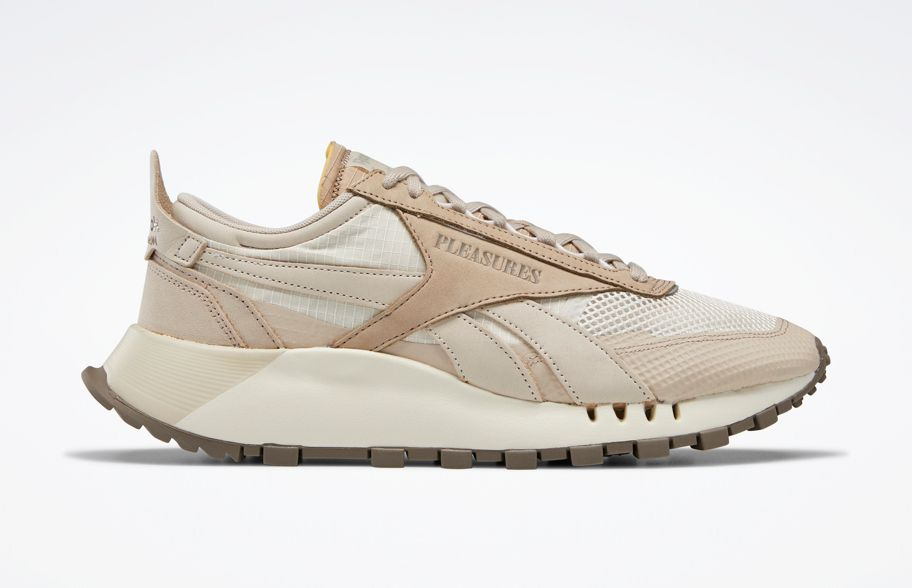 PLEASURES Reebok Classic Leather Legacy Right