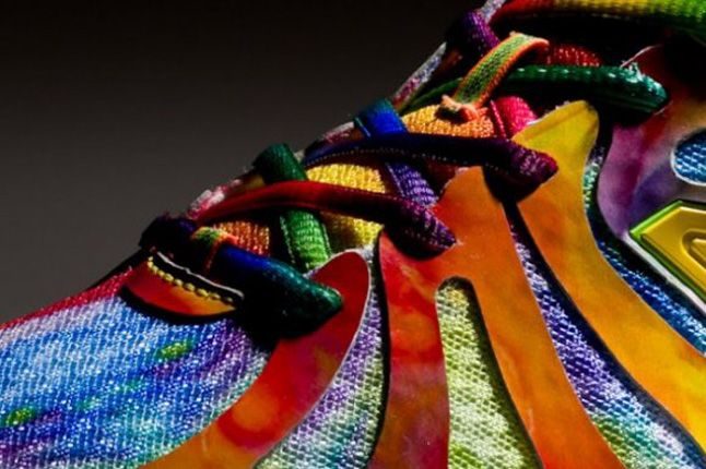 New Balance M890V3 Rainbow Spring 2013 Lacing 1