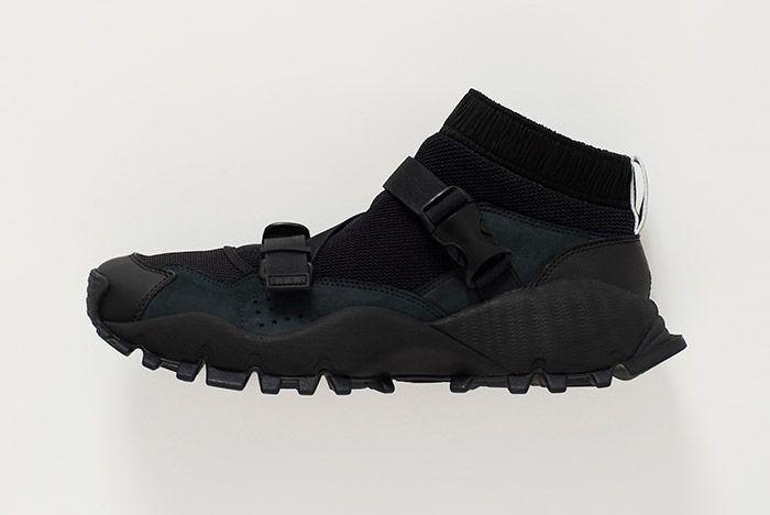 Hyke Adidas Seeulater Black 2
