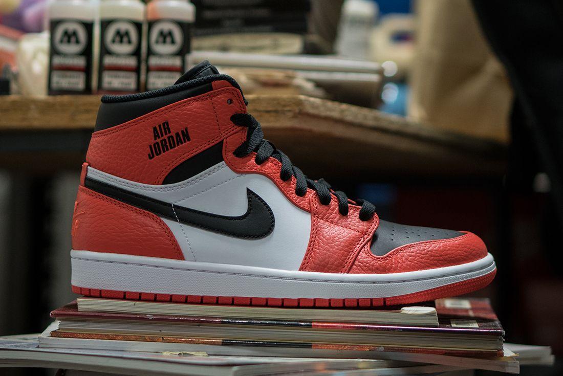 Air Jordan 1 Retro Rare Air Max Orange2