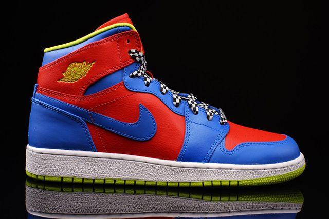 Nike Aj1 Chilling Redcyber Photo Blue 4