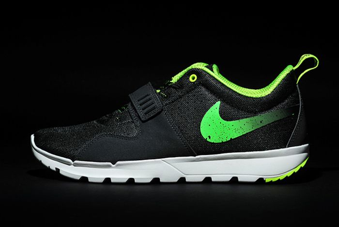 Stussy Nike Trainendor Green Lateral Side