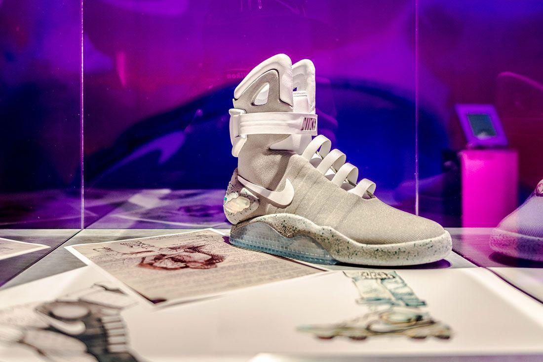 Nike Air Mag Show 16