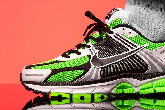 Nike Vomero 5 Se Sp Racer Blue Electric Green Dark Grey Close Up On Foot Shot