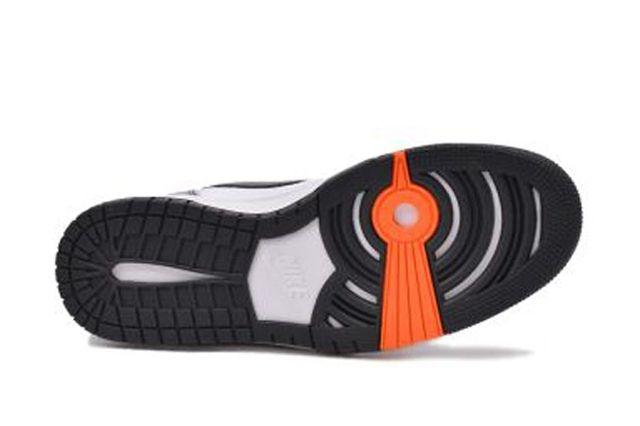Nike Dunk Cmft Wolf Grey Green Orange 1