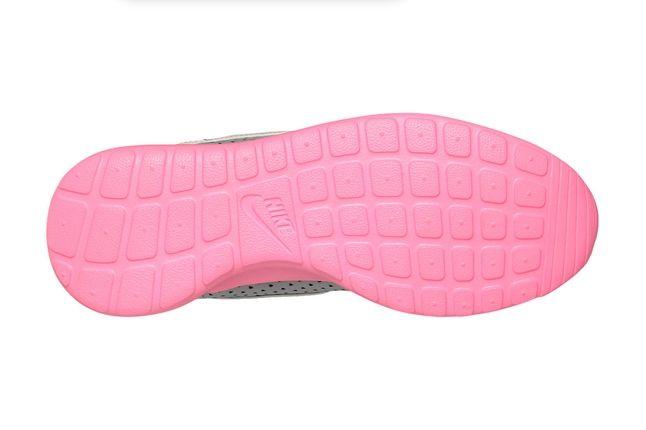Nike Wmns Roshe Run Pink Sole 1