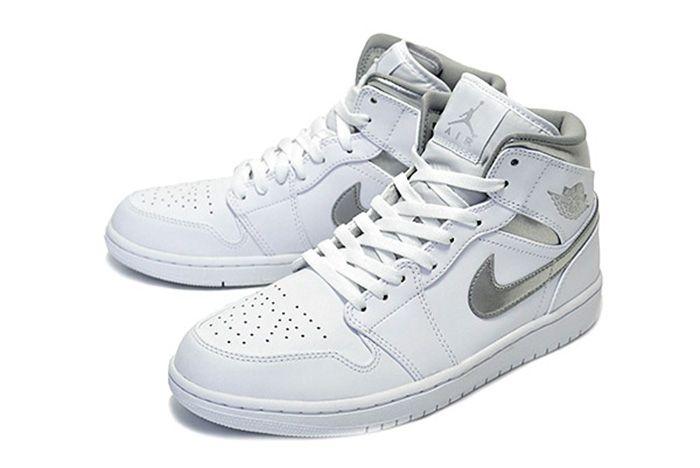 Air Jordan 1 Mid Pure Money