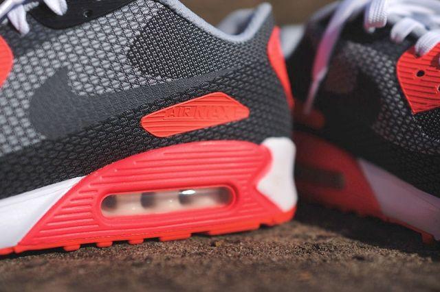 Nike Am90 Jacquard Infrared Bump 1