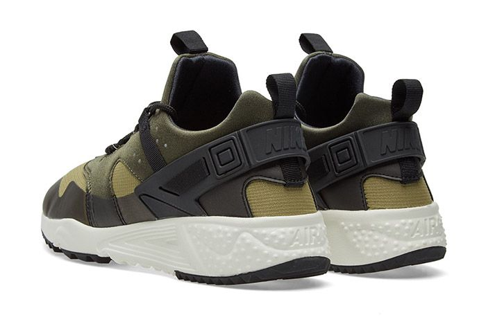 Nike Air Huarache Utility Trooper Sail Olive Green 3
