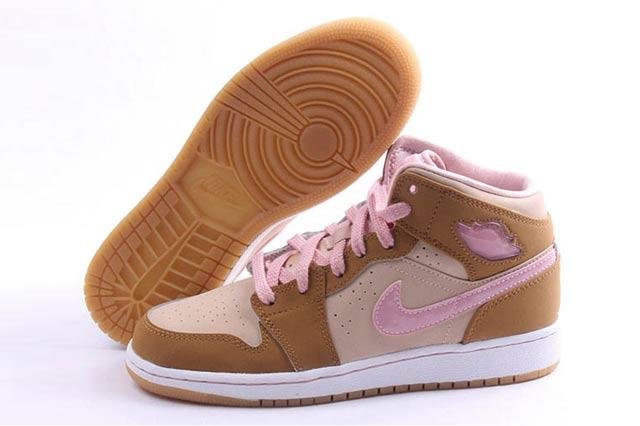 Air Jordan 1 Retro Lola Bunny 2