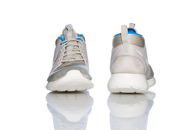 Nike Rosherun Mid White Blue Hero Profile 1