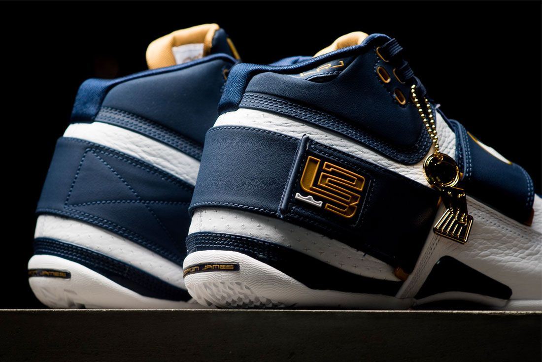 Nike Lebron Soldier 1 Heel