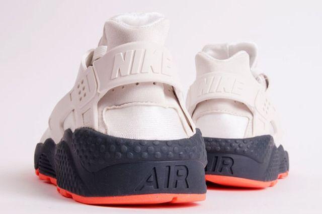 Nike Air Huarache White Grey Crimson 2