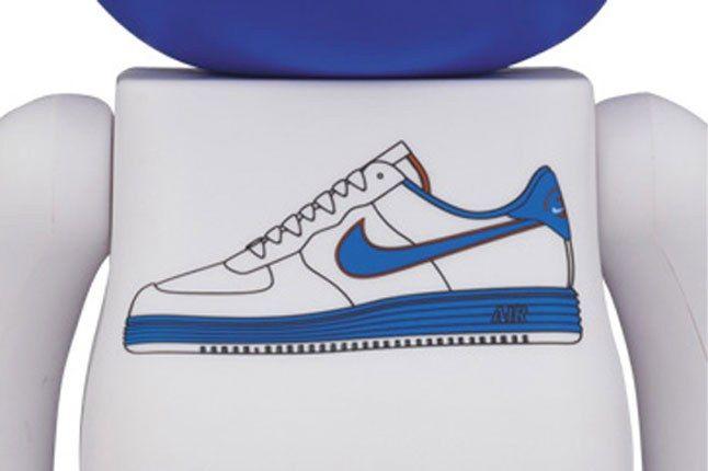Medicom Nike Bearbrick White 1