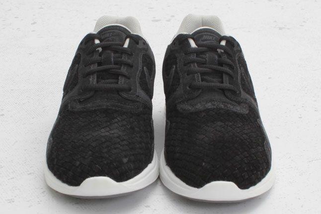 Nike Lunar Flow Woven Black Bone 02 1