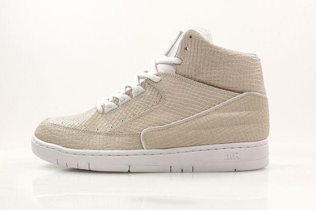 Nikepythontz White3