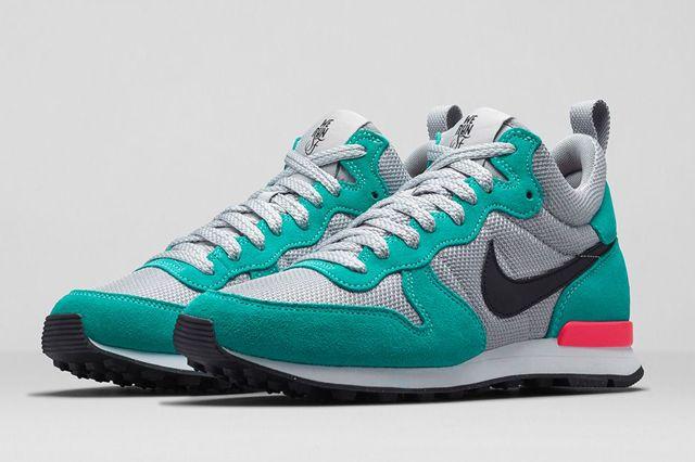 Nike Wmns Internationlist Mid Werunsf Bump 3