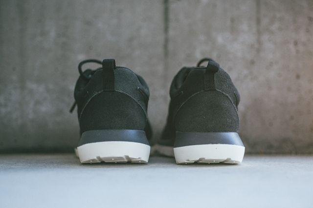 Nike Rosherun Nm Black Magnet Grey 3