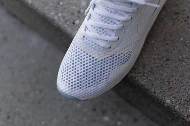 Nike Air Max Tavas Triple White 2