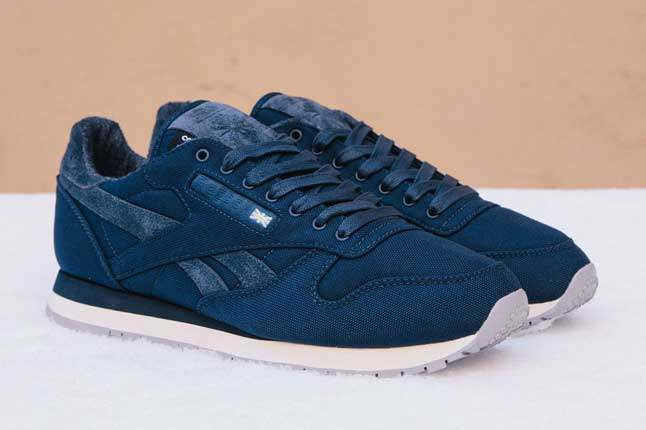 Sneakersnstuff X Reebok Classic Side Pair 1