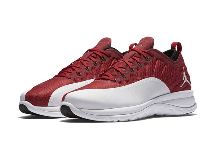 Jordan Trainer Prime Gym Red2