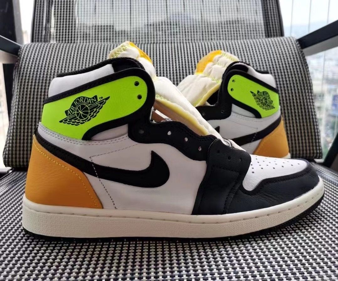 Air Jordan 1 'Volt Gold'