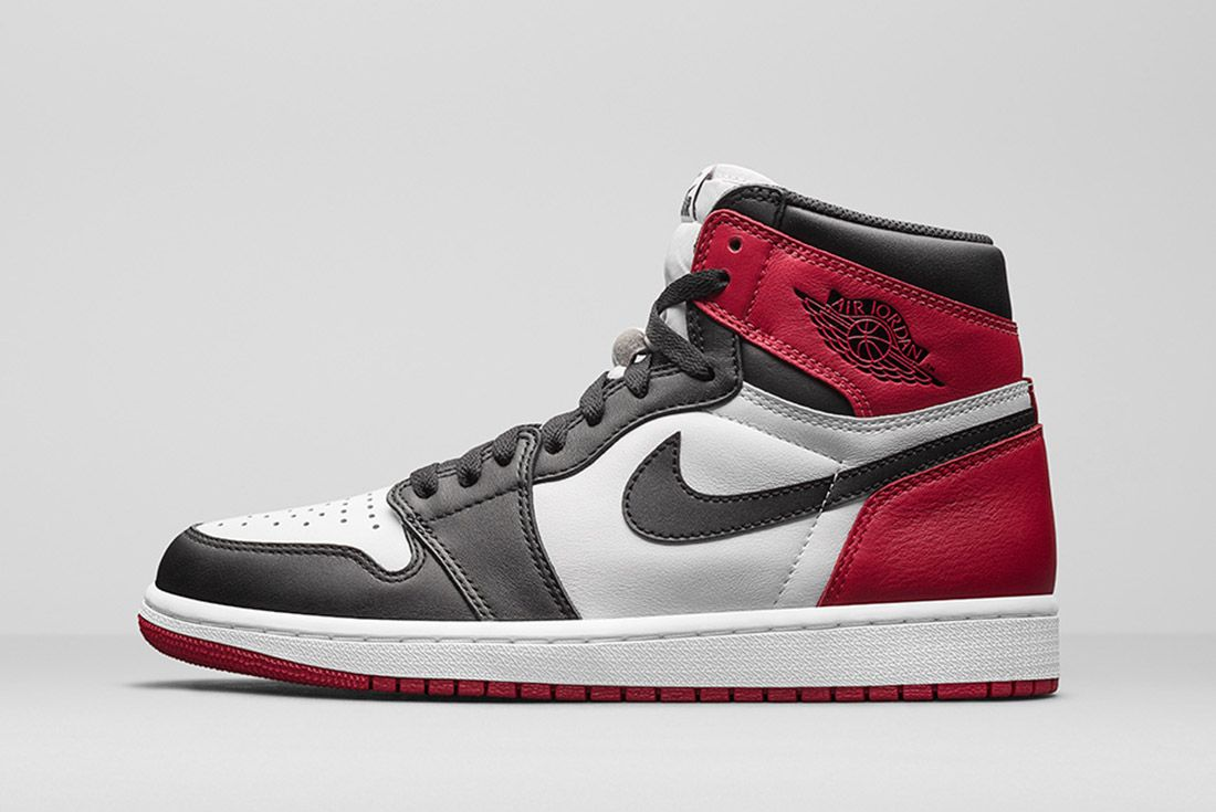Air Jordan 1 Blck Toe 7