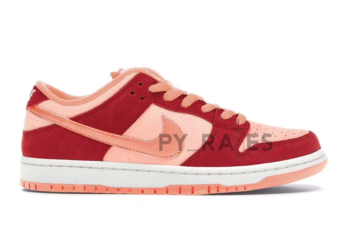 Nike SB Dunk Low Atomic Pink Right