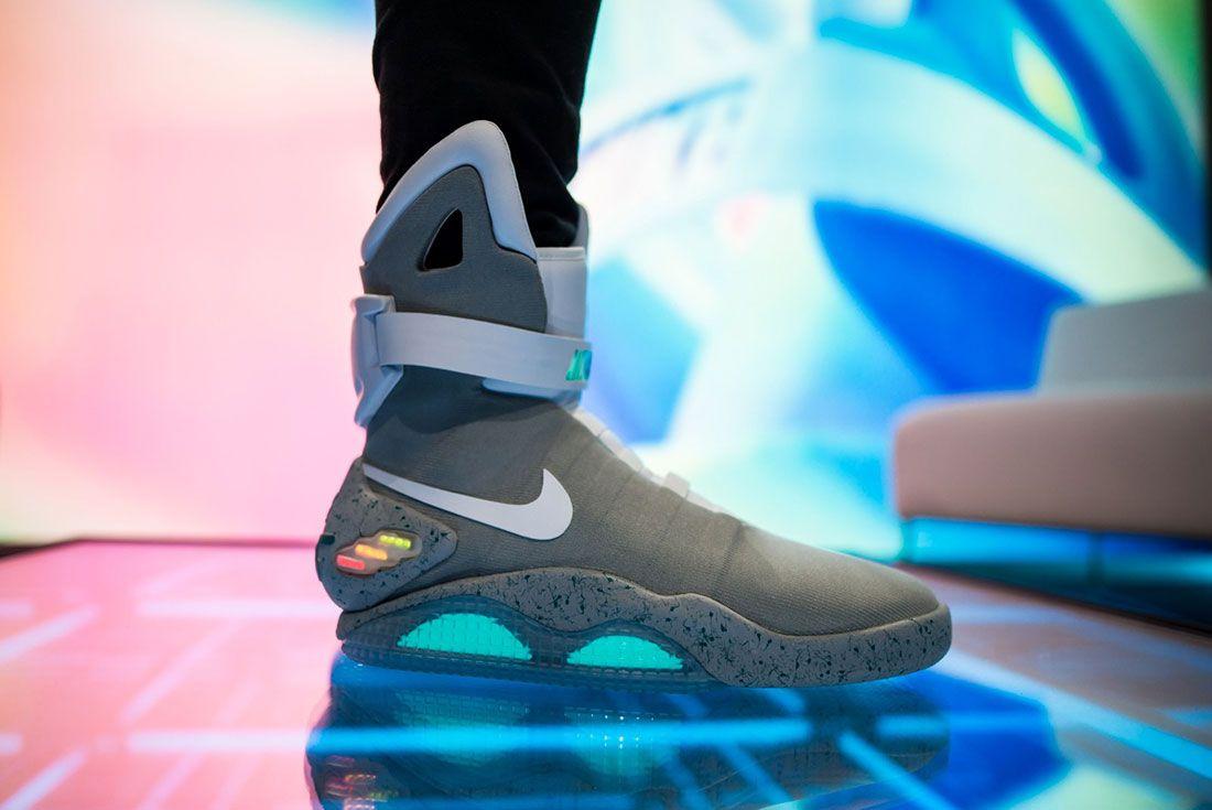 Nike Air Mag Show 7