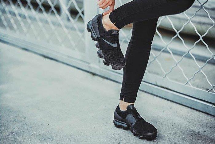 Nike Air Vapormax Strap On Foot 4