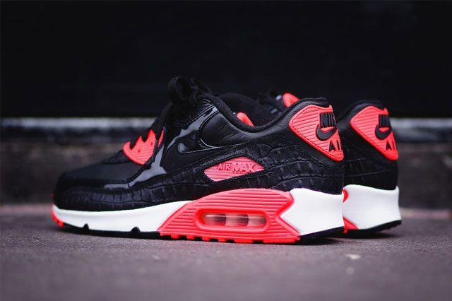Nike Air Max 90 (Croc Infrared) - Sneaker Freaker