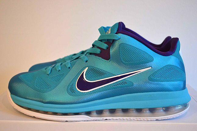 Sneaker Freaker Lebron Collector Garv 40 1