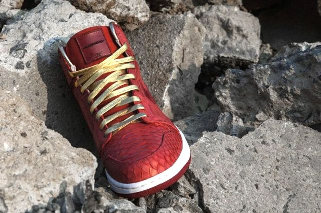 Air Jordan 1 Red Python 3