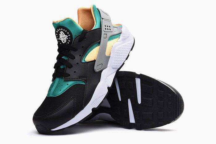 Nike Air Huarache Black Emerald Resin 3