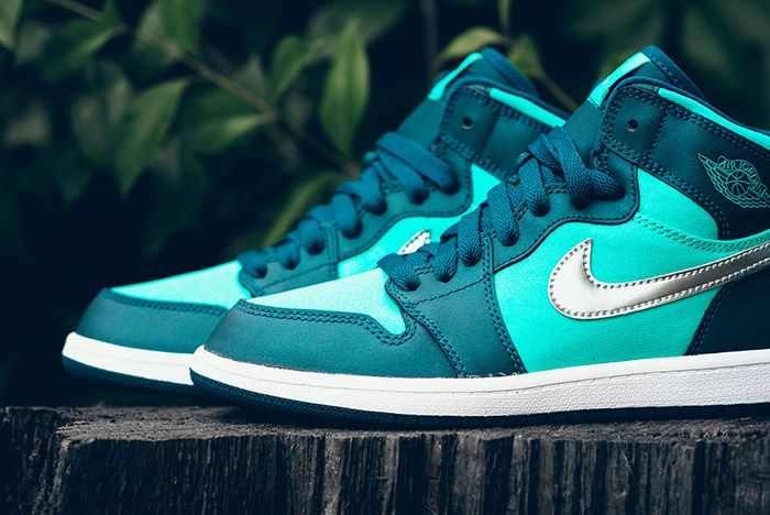 Air Jordan1 Retro High Gp Hyper Jade 4