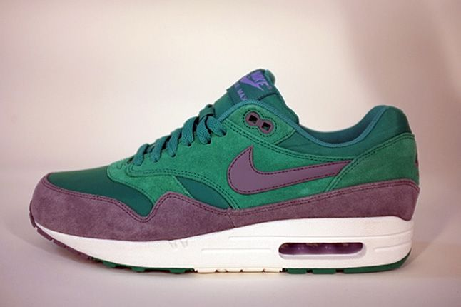 Nike Air Max 1 Holiday 2012 Preview 07 1