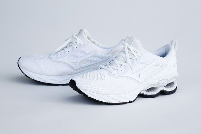 Mizuno Wave Creation Waveknit Front Angle Shot