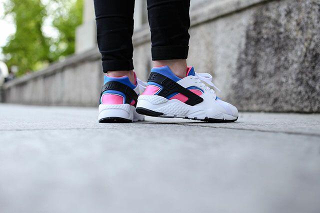 Nike Huarache Wmns White Black Pink Pow Soar 3