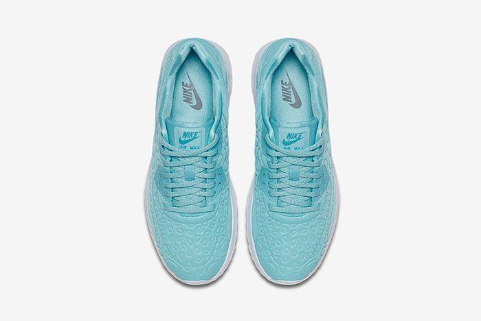 Nike Air Max 90 Plush 12